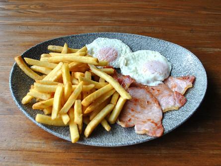 bacon egg chips.jpg