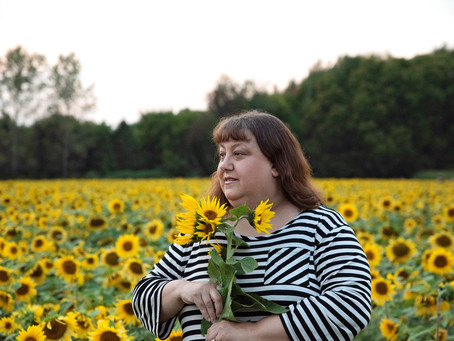 Trina | Sunflower Field Photography | Thistleberry Farms | South Bend, Indiana