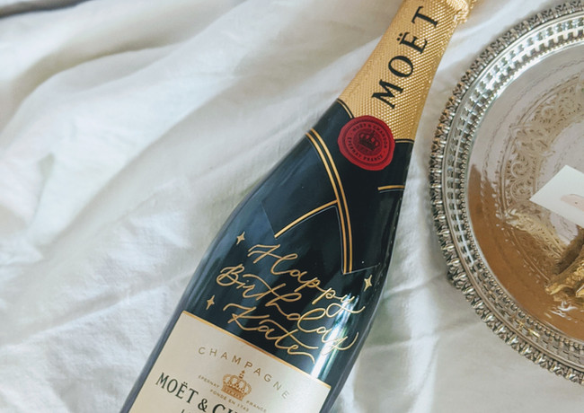 engraved-calligraphy-champagne-moet-chandon