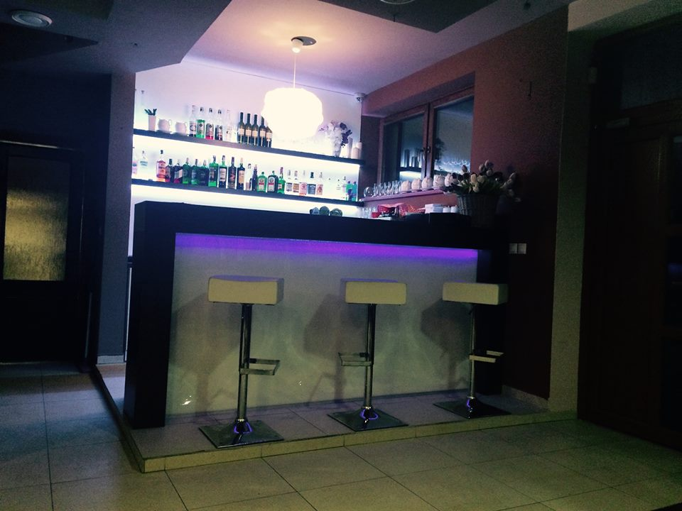 Bar s podsvietením