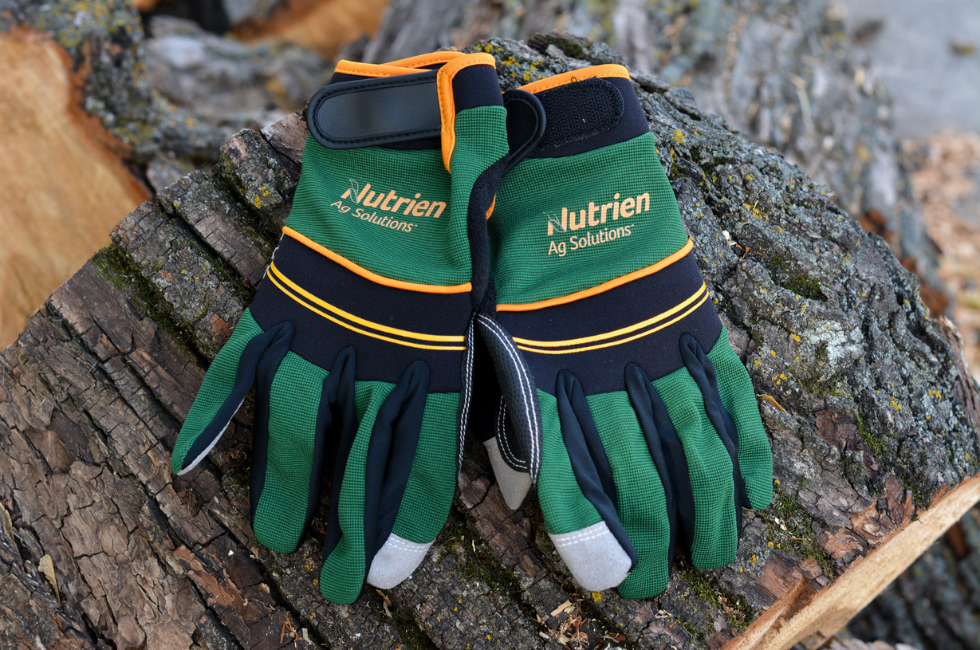 nutrien_gloves_homepage.png