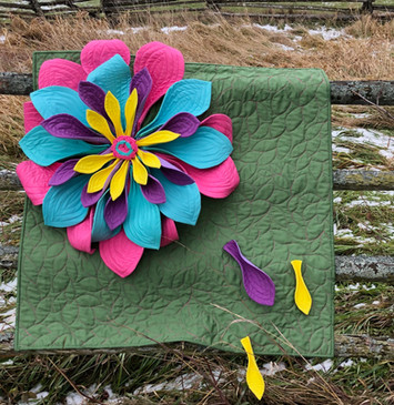 27 3D Flower Quilt by Jackie White _jack