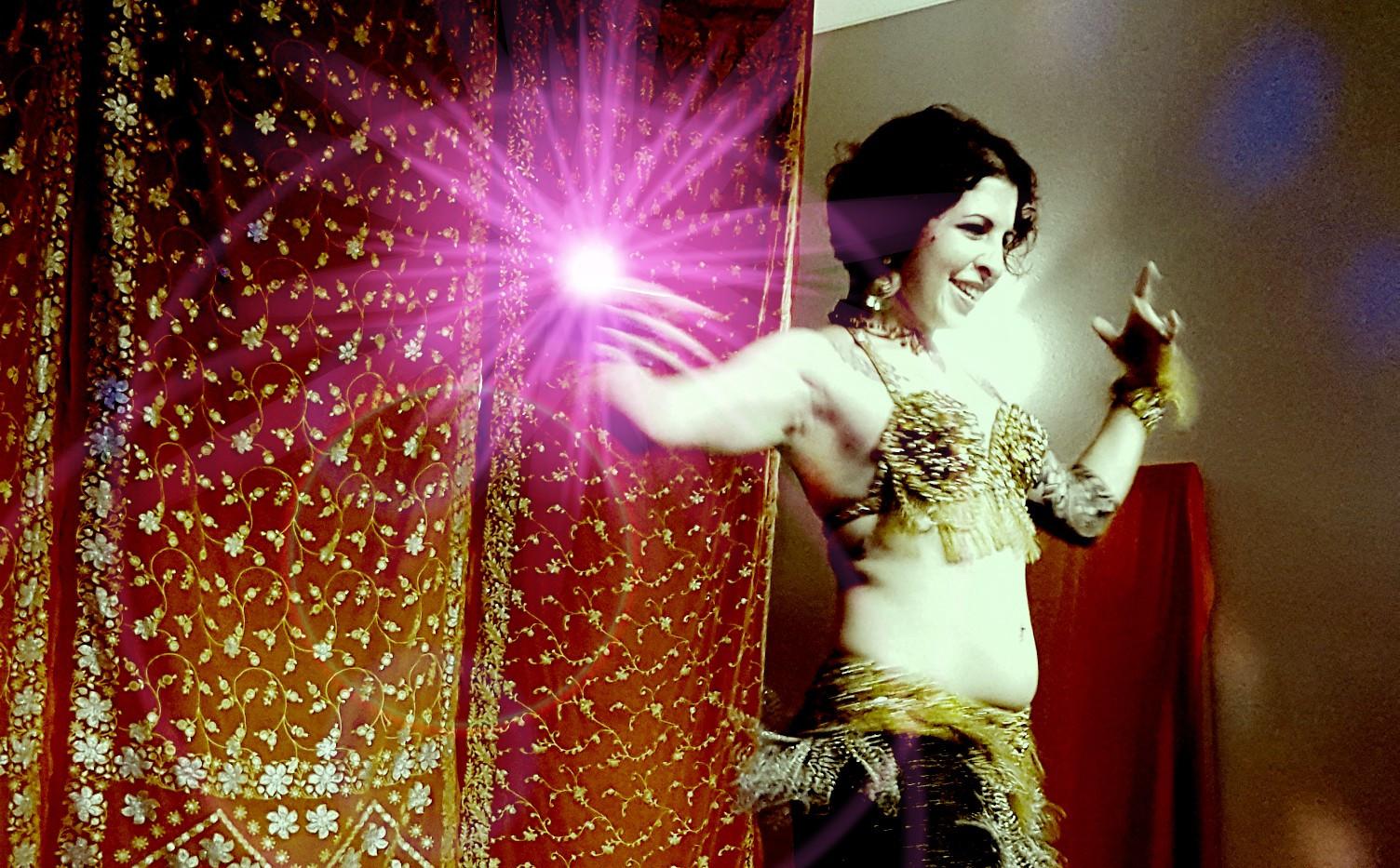 Amanda Dances