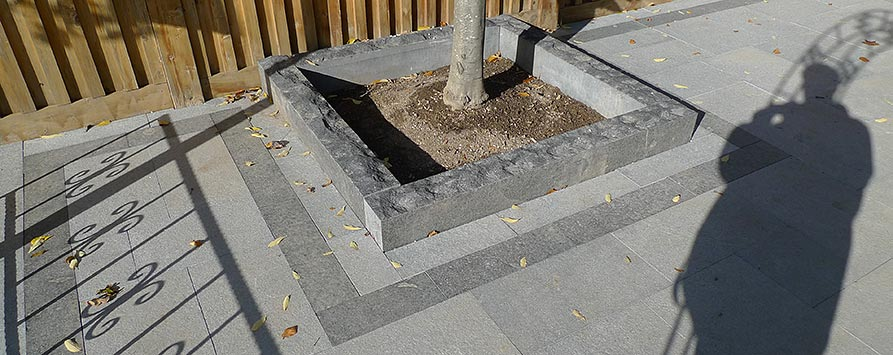 granite-paving-with-granite-curbing