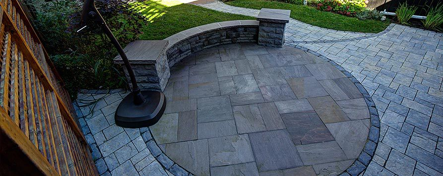 indian-flagstone-with-amalfi-pavers