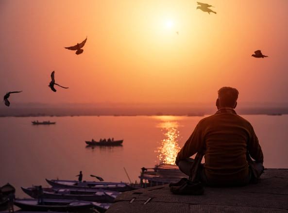 Мужчины принимают Индуизм