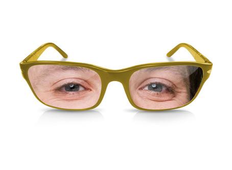 肩こりメガネとお洒落はガマン