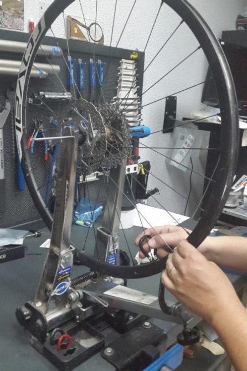 Centrar rueda de bicicleta