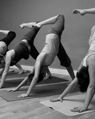 Tiffany Knafo Yoga Paris doterra France