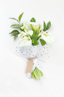 Weiße Lilien-Bouquet