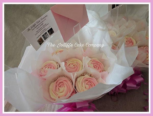 2 tone 7 cup bouquet.jpg