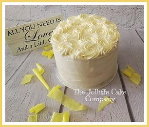 Organic lemon cake with fresh made lemon