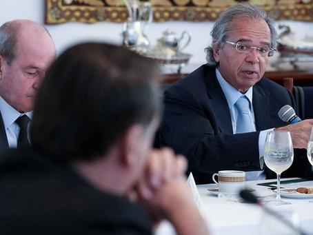 Saída de Guedes já entra em cenários de consultorias econômicas para 2021