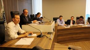 Beto Richa quer diminuir orçamento das universidades estaduais. Deputados e sindicalistas contestam.
