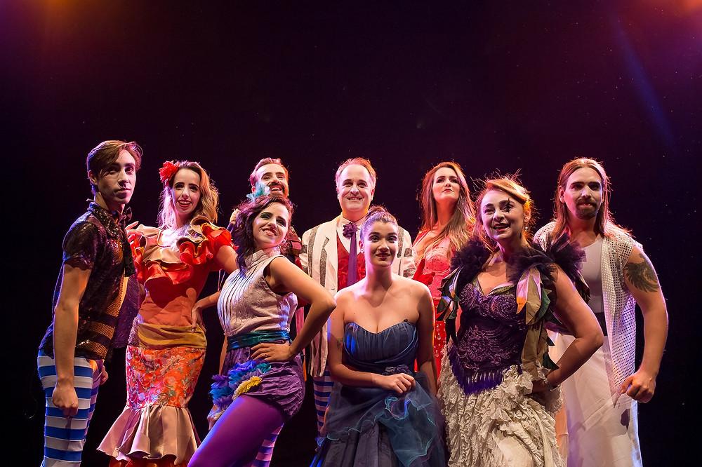 Broadway Canta O Circo Místico