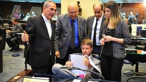 Deputados aprovam texto do Executivo e funcionalismo público fica sem reajuste