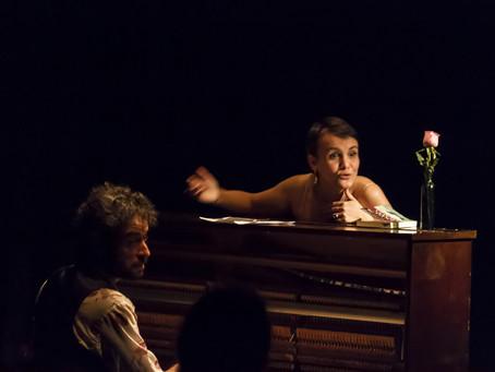 Show Prelúdio da Solidão apresenta novo projeto de Juliana Amaral e Gustavo Sarzi, no Teatro Paiol,