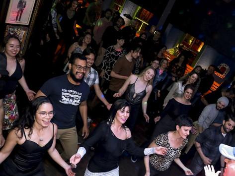 Noches Calientes! Música latina ao vivo e aulas de dança movimentam noites de terça, no Batel