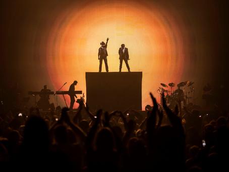 Chitãozinho e Xororó apresentam a turnê Evidências em Curitiba