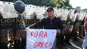 Deputado participa de protesto ao lado dos Servidores Municipais de Curitiba, contra pacotaço de Raf