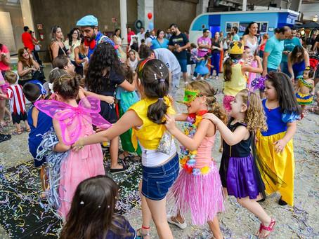 Bailinho de Carnaval reúne Garibaldinhos, Baquetá e Tupi Pererê em quatro dias de festa