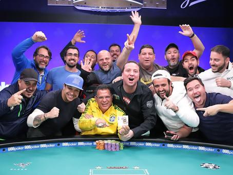 Como um jogador recreativo se tornou campeão mundial de poker