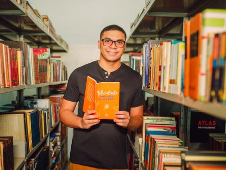 Kaique Kelvin Gomes lança novo livro no Brasil e em Portugal