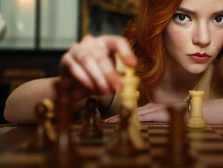 Gambito da Rainha: 7 motivos para jogar xadrez online