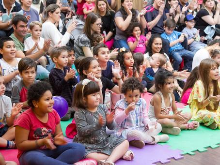 Palhaços e Teatro de Bonecos são opções para crianças neste sábado, 17 de agosto