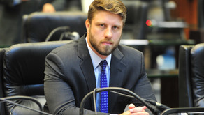 Deputados pedem que Procon investigue reajustes abusivos na conta de água pela Sanepar