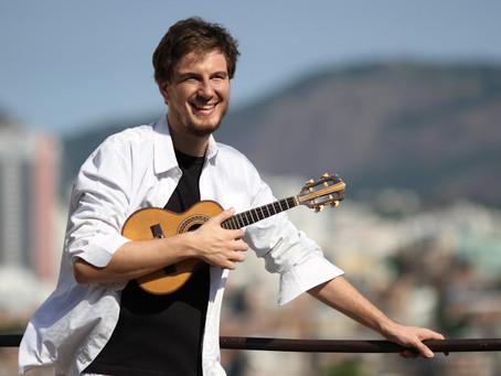 Tomaz Miranda toca no Samba de Bamba deste mês de agosto