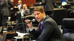 Copel aumenta repasse a acionistas e deputados da oposição alertam população