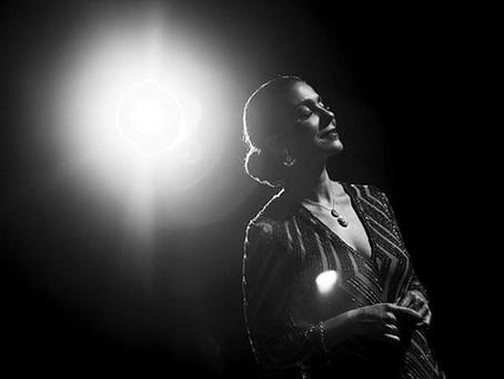 Premiado espetáculo sobre cantora Elizeth Cardoso ganha formato online
