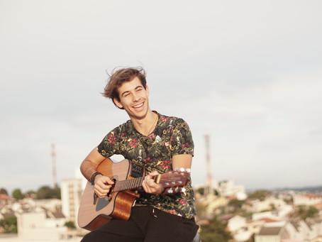 Henrique Ventura lança primeiro álbum em Curitiba e estreia carreira internacional. Confira a entrev