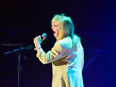 Rita Pavone volta aos palcos com disposição. Confira alguns momentos do show em Curitiba!