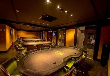 Torneio 100k de Poker Garantido é atração do novo complexo de entretenimento em Curitiba