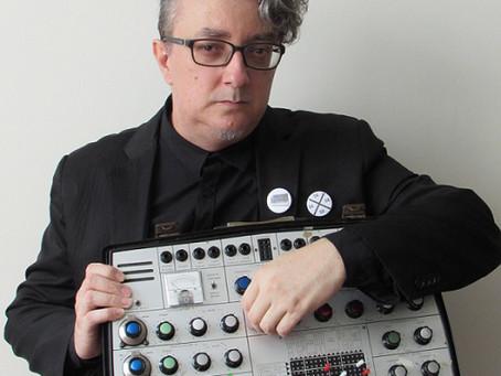 Solo Música com Paulo Beto traz a música eletrônica para a Caixa Cultural