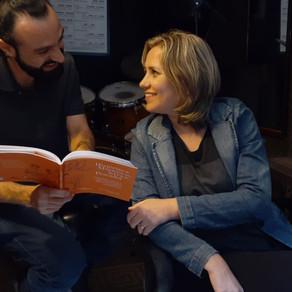 Livro com crônicas dos bastidores da cena musical de Itajaí será lançado dia 26
