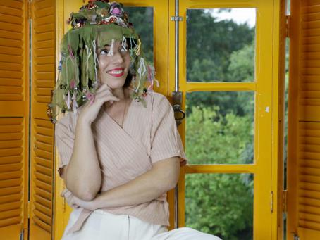 Projeto homenageia Rainha do Papel de Bala de Curitiba