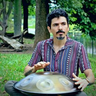 Thiago Peixoto lança novo single explorando o som do handpan