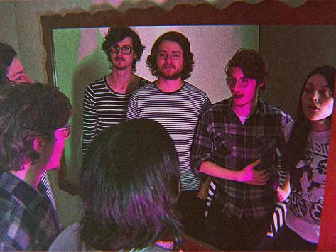 Banda Horney lança novo clipe com participação de internautas