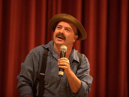 Show de humor de Paulinho Mixaria é no dia 15 de setembro