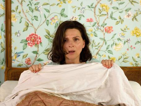 Comédia A Boa Esposa, protagonizada por Juliette Binoche estreia no Brasil