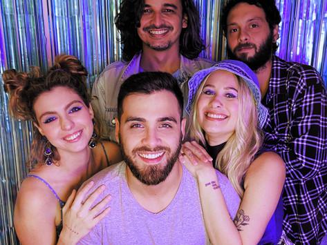 """Plutão Já Foi Planeta e Clara Valverde cantam juntos no single """"Meu Destino Preferido"""""""
