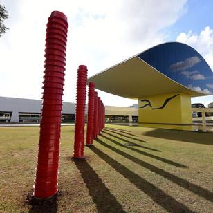 MON reabre ao público com exposição inédita do premiado artista Schwanke