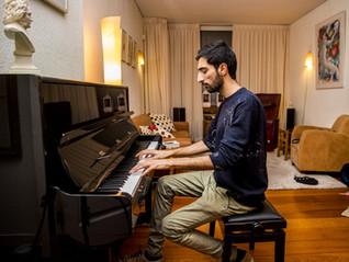 Iraniër Farid Sheek heeft eindelijk zijn eigen piano
