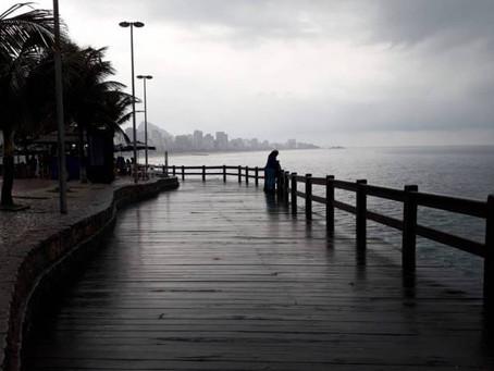 Chuva e frio afastam cariocas das praias do Rio - ONDA CERTA FM