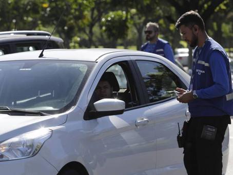 Detran-RJ dispensa agendamento para veículos em atrasos - ONDA CERTA FM