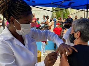 Duque de Caxias promove vacinação da primeira dose contra Covid nesta sexta - SUPER TOP FM 89.9