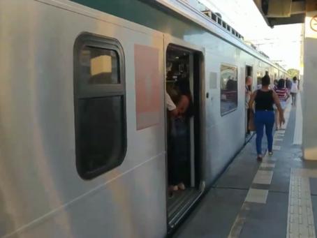 Problema em trem causa transtornos a passageiros em Duque de Caxias - ONDA CERTA FM